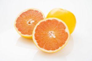 フレッシュな香りが魅力な「グレープフルーツ」のアロマの効果