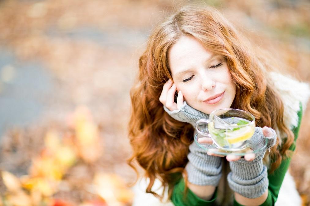 お酒よりも健康的&効果的!ストレス緩和に効くハーブティー7つ