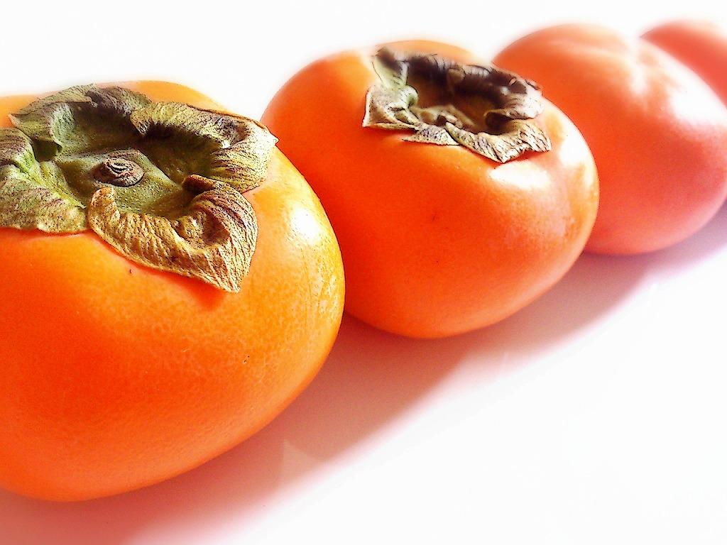 たった2つの材料で超簡単!栄養ぎっしり「干し柿」の作り方