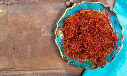 【食べても嗅いでもOK】香辛料「サフラン」の主な5つの効能